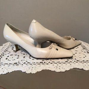 Bandolino Leather Shoes.